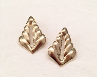 Leaf earring post. 18/20 Goldfilled earring.  Leaf earring