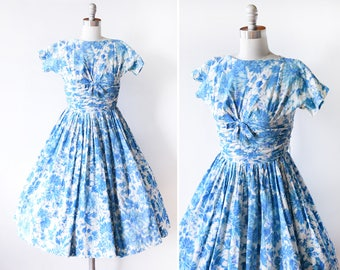blue floral 50s dress, vintage 1950s dress, blue + white flower print cotton dress, full circle skirt party dress, xxs