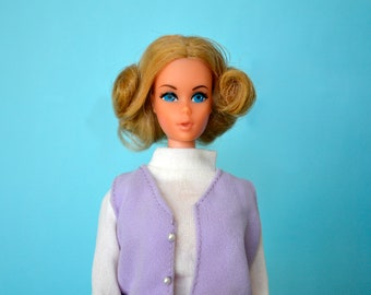 Mod 1970's Vintage Excellent  TNT Quick Curl  Barbie Blonde with blue eyes