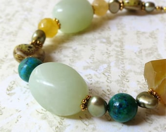 Bracelet chunky beaded stone green honey. HALF PRICE SALE. Take 50% off.