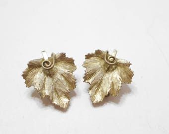 Vintage BSK Brushed Gold Tone Metal Leaf Clip Earrings (5688)