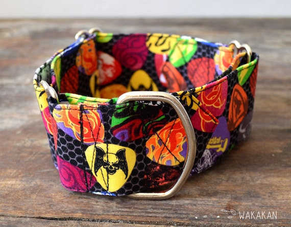 Martingale Rock 'n' Roll collar. Handmade with 100% cotton fabric.Punk guitar skull style leash. Greyhound Wakakan