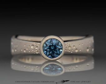 14K Palladium White Gold Star Pattern Ring with Sapphire
