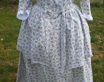 18th Century Reenactors Colonial Italian Gown