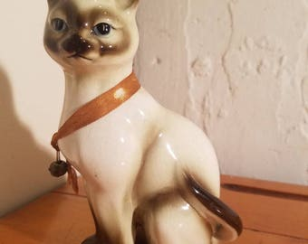 Vintage  porcelain ceramic Siamese cat sculpture