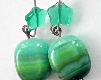 Hombre Earrings! Green Glass Star - Puffy Bead - A Frame Earrings