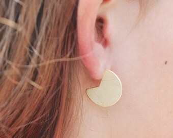 SHIELD LARGE CIRCLE Stud earrings, sterling silver or 14kt gold vermeil.  Ear Sheild Modern Shape Handcrafted by Chocolate and Steel