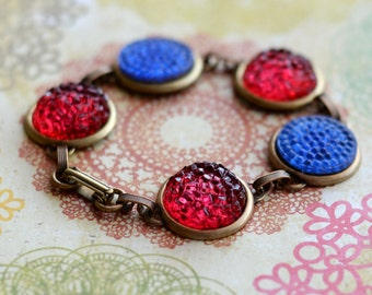 4th of July Red and Blue Bracelet, Bubble Glass Bracelet, Red Bracelet, Vintage Style Brass Bracelet, Patriotic Colors, JewelryFineAndDandy