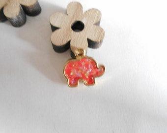 Pendant gold elephant red opal 17 x 15 mm