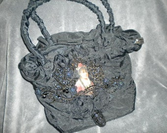 Purse with Turn of Century Black Beading, Image of Girl, Designer made (FFs5050)