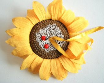 Sunflower Ring Bearer Pillow, Fall Weddings Party, Engagement Ring Holder, Decoration, Rustic Country Farm Wedding, Yellow Brown, Lady Bug