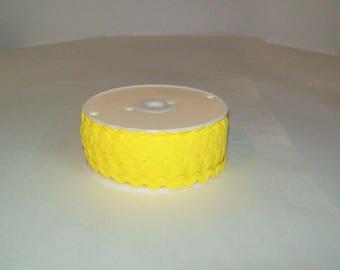 "Gigantic 140+ Yard Spool of 5/8"" Yellow Polyester Rick Rack Ric Rac"