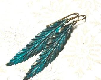 Verdigris leaf earrings, green leaf drops, Verdigris leaf drops, brass leaf drops, detailed bronze leaf earrings, brass earrings, leaves
