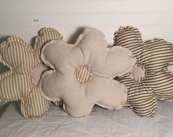3 Flower Pillow Set