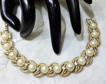 Beautiful Vintage Crown Trifari Faux Pearl and Rhinestone Link Bracelet