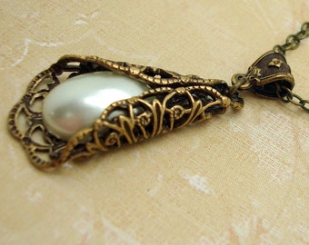 Pearl Filigree Necklace in the Vintage Style with Cream Man-made Cabochon