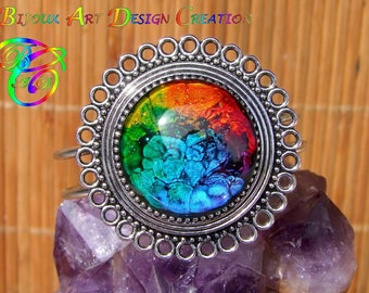 Handmade bracelet Native American product and its large multicolor glass Cabochon