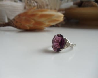 Violet Star-vintage ring-silver-ALPACCA stamped, art Deco with purple stone, cut stone