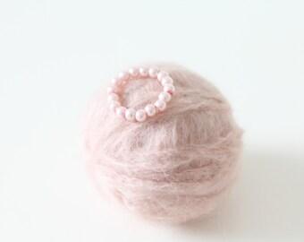 Newborn props - Newborn bracelet  - Baby girl props - Baby Jewelry - Baby girl bracelet - Soft pink - Pearl bracelet -Newborn girl-Pale pink