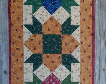Quilt Table Runner Handmade Weathervane Star