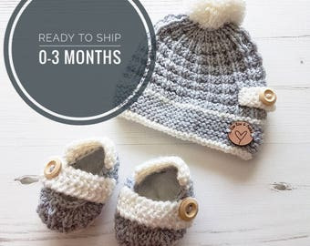 Baby Hat and Booties   Baby Shower Gift   Newborn Set   Baby Shoes   Pom Pom Beanie   Pom Beanie   Gift Set   Baby Gift   Hat and Boots