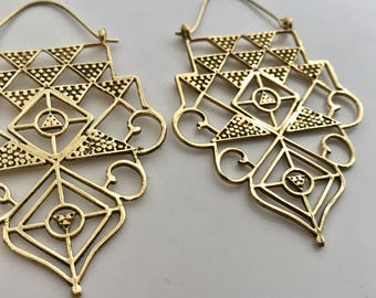 Goddess Etched Pyramid Earrings