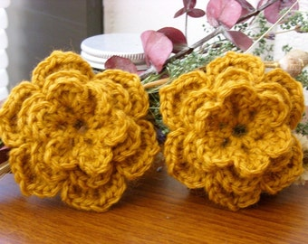 Yellow Wool Flowers - Yellow Wool Roses - Gold Wool Flowers - Gold Wool Roses - Wool Flower Applique - Wool Flower Patch - Wool Flowers
