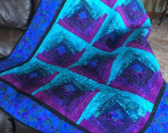 Homemade quilt, modern quilt, jeweltones, pink purple green blue black
