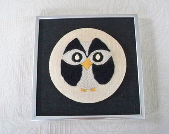 Vintage Home Decor Wall Hanging Stitched Owl on Burlap Chrome Frame