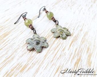 Garnet Earrings, Flower Earrings, Hypoallergenic Niobium Earrings, January Birthstone, Gemstone Dangle Earrings, Healing Crystal Jewelry