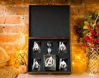 AVENGERS Glass Whiskey decanter Set (17 oz.) & 4 glasses Iron man Captain America Hulk Christmas gift Gift for men Decanter Fathers gift
