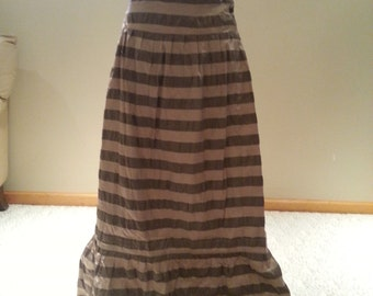Ladies Long gold gray skirts size 16-18