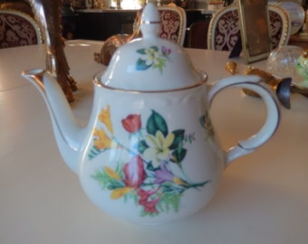ENGLAND ARTHUR WOOD Dorset Teapot