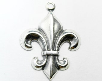 11 Fleur de Lis Charms, 20x22 mm  French Lily Jewelry with Silver Plating, Made in USA, #TB115S