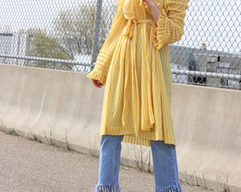 Vintage Ruffled Duster Robe / 60's Handmade Gold Housecoat / One Size