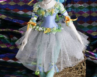 Tallulah by Jan Horrox. cloth doll Pattern
