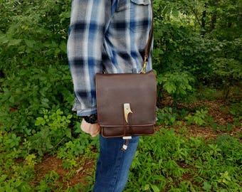 Leather Bushcraft Bag / Possibles Bag /Messenger Bag Traditional Handcrafted Hand Stitched Kodiak Leather