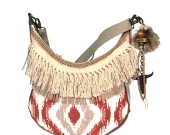 Shoulder bag Navajo style, fringed purse ethnic pattern, beige red brown crossbody native American style, fabric purse handmade woman gift
