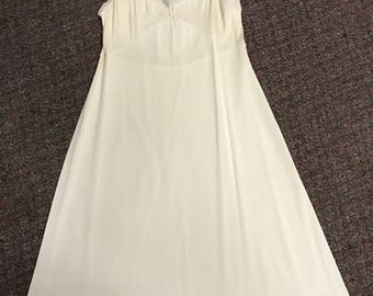 Vintage Women's Slip Made By Shadowline Size 34 Off White Lace Made in the USA!