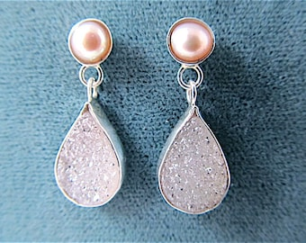 Silver earrings with sparkling white drusy and peach pearls