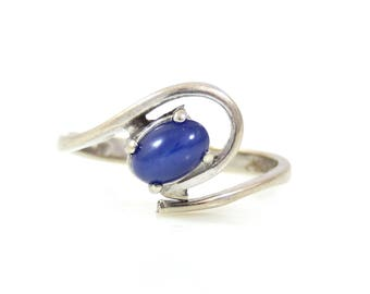 Small Star Sapphire Ring in 10K White Gold - X3148