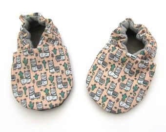 Llama and Cacti Eco-Canvas Baby Shoes //  Pink Green White, Vegan Moccs, Baby Booties, Baby Slippers, Toddler Indoor, Eco-friendly slipopers