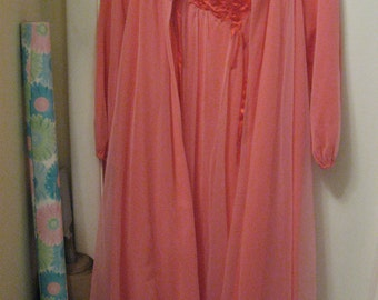 Vintage pink chiffon peignoir lingerie nightgown robe set Saks Fifth Ave Rose applique Small