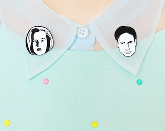 Mulder and Scully X-Files enamel lapel collar clip pin set