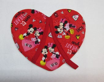 Mickey and Minnie Mouse Sealed with a Kiss Heart Shaped Potholder/Oven Mitt