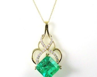 8.72 Carat Colombian Emerald And Diamond Pendant In 14K Yellow Gold With 16In Chain,May Birthstone, Deep Green,Precious Gemstones(145383)