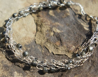 Fine Silver Bracelet with Glass Beads and Crochet - B002