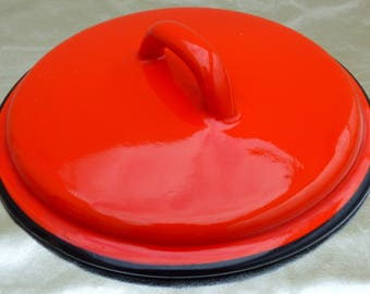 Lid enamelled red 70's