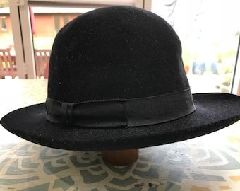 Bowler , felt hat