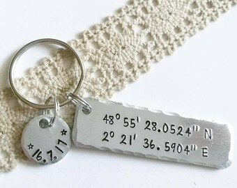 Custom coordinates keychain,  gift, Latitude longitude, Personalized Keyring, Gift for a Friend, Gps coordinates, Anniversary, Valentines